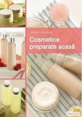 Cosmetice preparate acasa In ziua de azi suntem practic coplesiti de multitudinea de produse ale companiilor cosmetice. Deseori ne gasim in dificultatea de a alege produsul potrivit, iar dupa o escapada prin magazinele de specialitate recurgem la compromisuri - produsul cu care ne intoarcem acasa nu este exact de ceea ce avem nevoie, mai ales la nivel de compozitie si efect. Daca pana nu demult trebuia sa platim sume exorbitante pentru produsele organice, care mai erau si dificil de procurat, azi avem totul la indemana pentru a ne crea o gama larga de produse cosmetice naturale, la un cost relativ redus. Cartea de fata este o sursa valoroasa pentru cei care sunt dispusi sa-si investeasca timpul si fantezia in crearea produselor cosmetice pentru placerea si sanatatea proprie si a celor care vor avea acces la acestea. Atat incepatorii cat si cunoscatorii tehnicilor de preparare a produselor cosmetice acasa, vor gasi informatii valoroase care ii vor ajuta pe parcursul intregului proces, de la alegerea ingredientelor, pana la modul de prezentare a produsului finit.