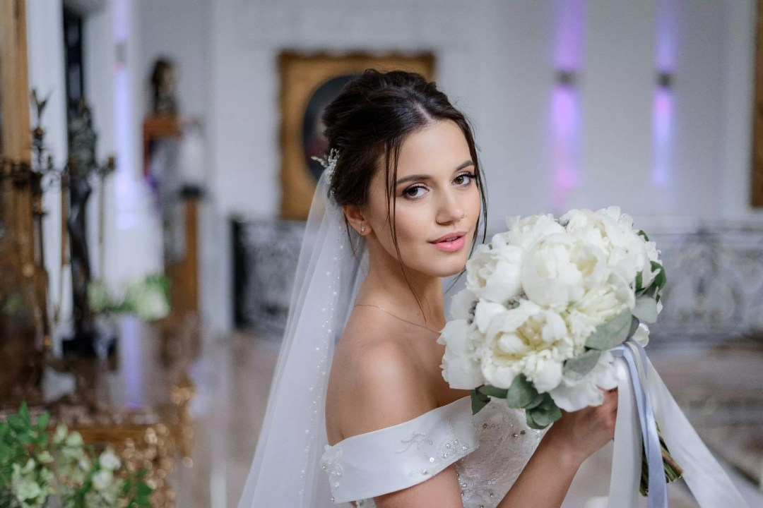 Simple Sophisticated Yet Beautiful Wedding Makeup Ideas With Natural Tones