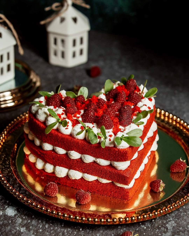 Valentines Decor Ideas for Cake