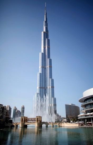 General view of Burj Khalifa, the world's tallest tower, in Dubai December 2, 2012. REUTERS/Ahmed Jadallah (UNITED ARAB EMIRATES - Tags: CITYSCAPE SOCIETY) - RTR3B57N
