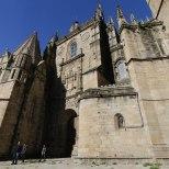 De paseo por Plasencia catedral enlosado