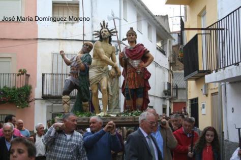 """""""Paso del Tío del Zurriago, en Ahigal, el día de Jueves Santo"""" (Foto: JOSÉ MARÍA DOMINGUEZ MORENO)"""