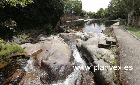 planve-casas-del-monte-piscina-natural-3