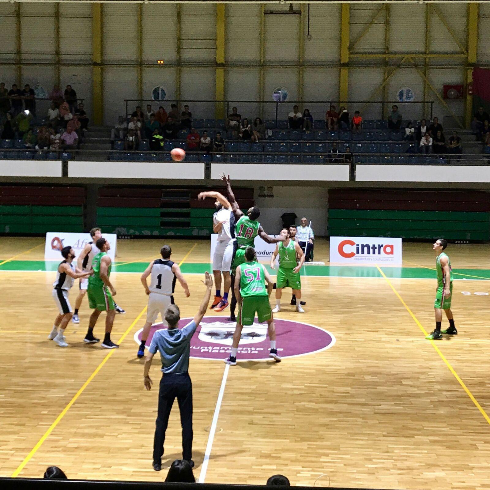 El Extremadura Plasencia cae derrotado en la IV Copa Concejalía (65-73)