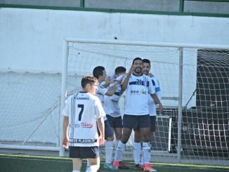 El Nuevo Plasencia es líder del grupo I de la 2ª División Extremeña tras ganar al Navalmoral (0-2)