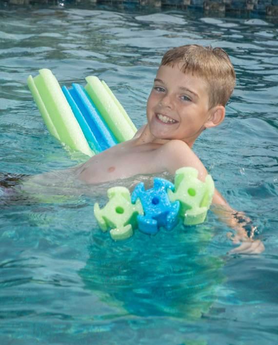 IMG_SmartNoodles_Link_Ems_06_Boy-in-water_PPI