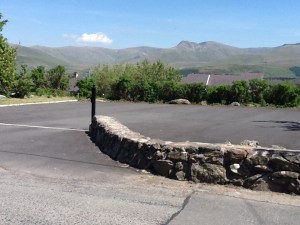 Neuadd Goffa parking