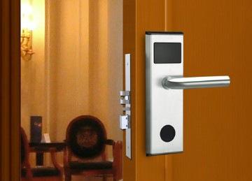 Hotel Door Locks & Key Cards: What to Know | Plastek