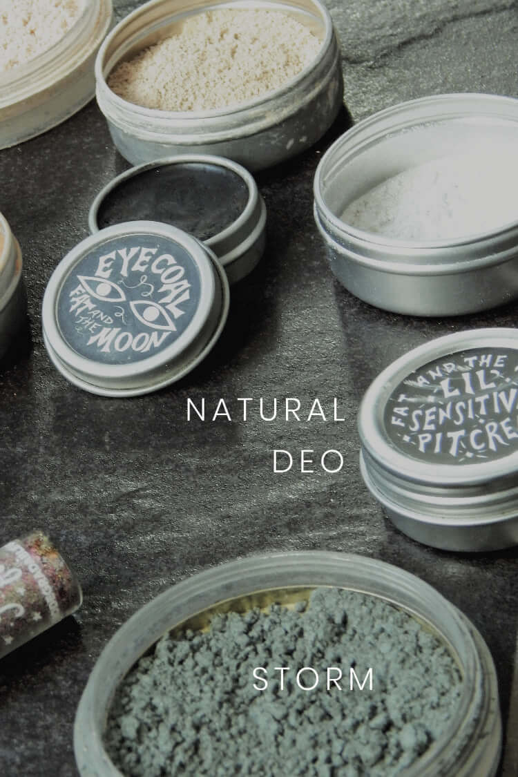 Mineral eyeshadow and other plastic free cosmetics