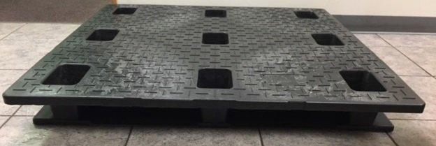 square stackable pallet