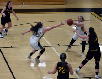 Highlands.Hayesville.basketball.varsity (12)
