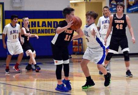 Highlands.basketball.MS.boys (29)