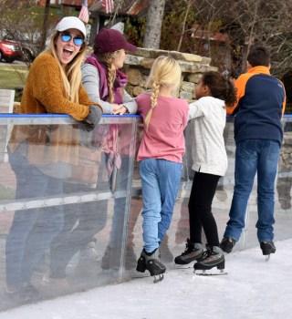 Ice.skating.11.18 (44)