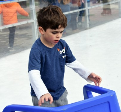 Ice.skating.11.18 (56)