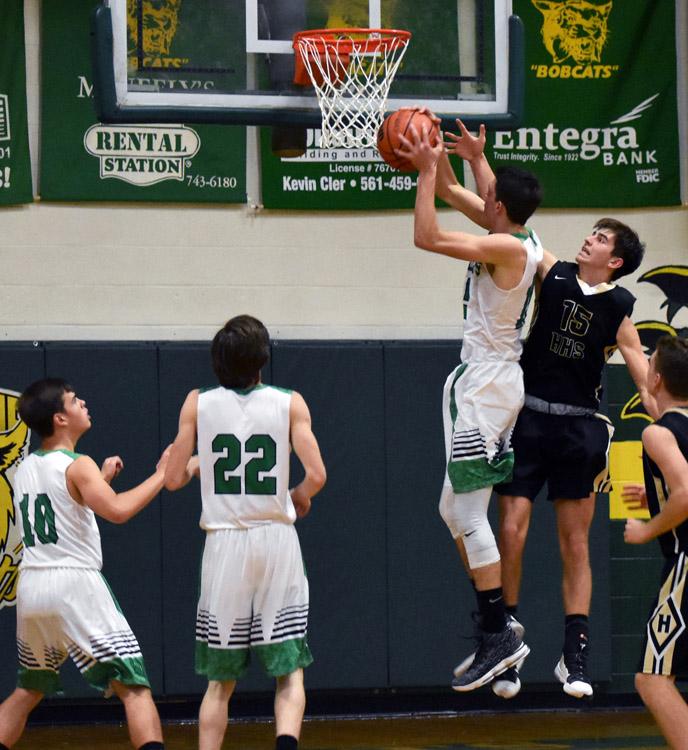 BR.Hayesville.basketball.V (21)