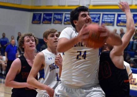 Highlands.Rosman.basketball.V (19)