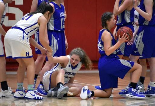 Highlands.Smokey.Mtn.basketball.V.girls (34)
