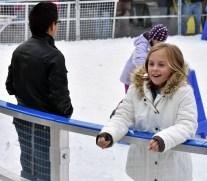 Ice.skate.Xmas.promo (12)
