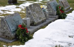 Wreaths.Highlands.Cemetray (20)