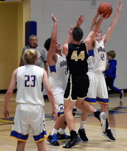 Highlands.Hayesville.basketball.V.boys (18)