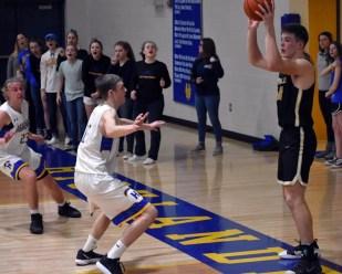 Highlands.Hayesville.basketball.V.boys (47)