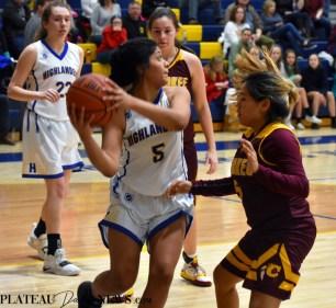 Highlands.Gray.basketball.V.girls (1)