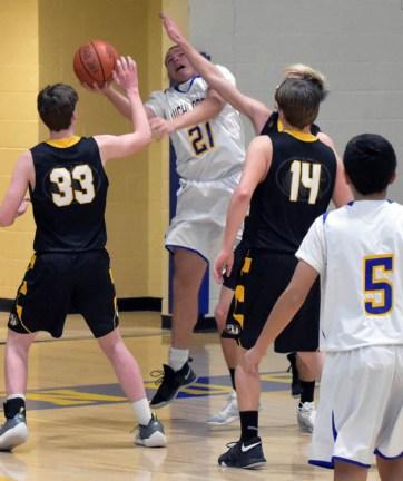 Highlands.Murphy.basketball.JV.boys (39)