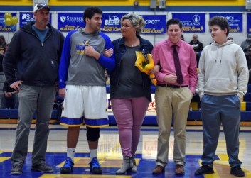 Senior.Night.Highlands (13)