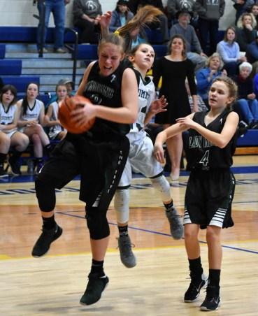 Summit.Tallulah.basketball.MS.girls.tristate (28)