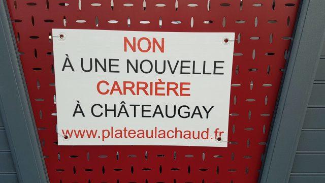 Panneau Non à une nouvelle carrière à Châteaugay