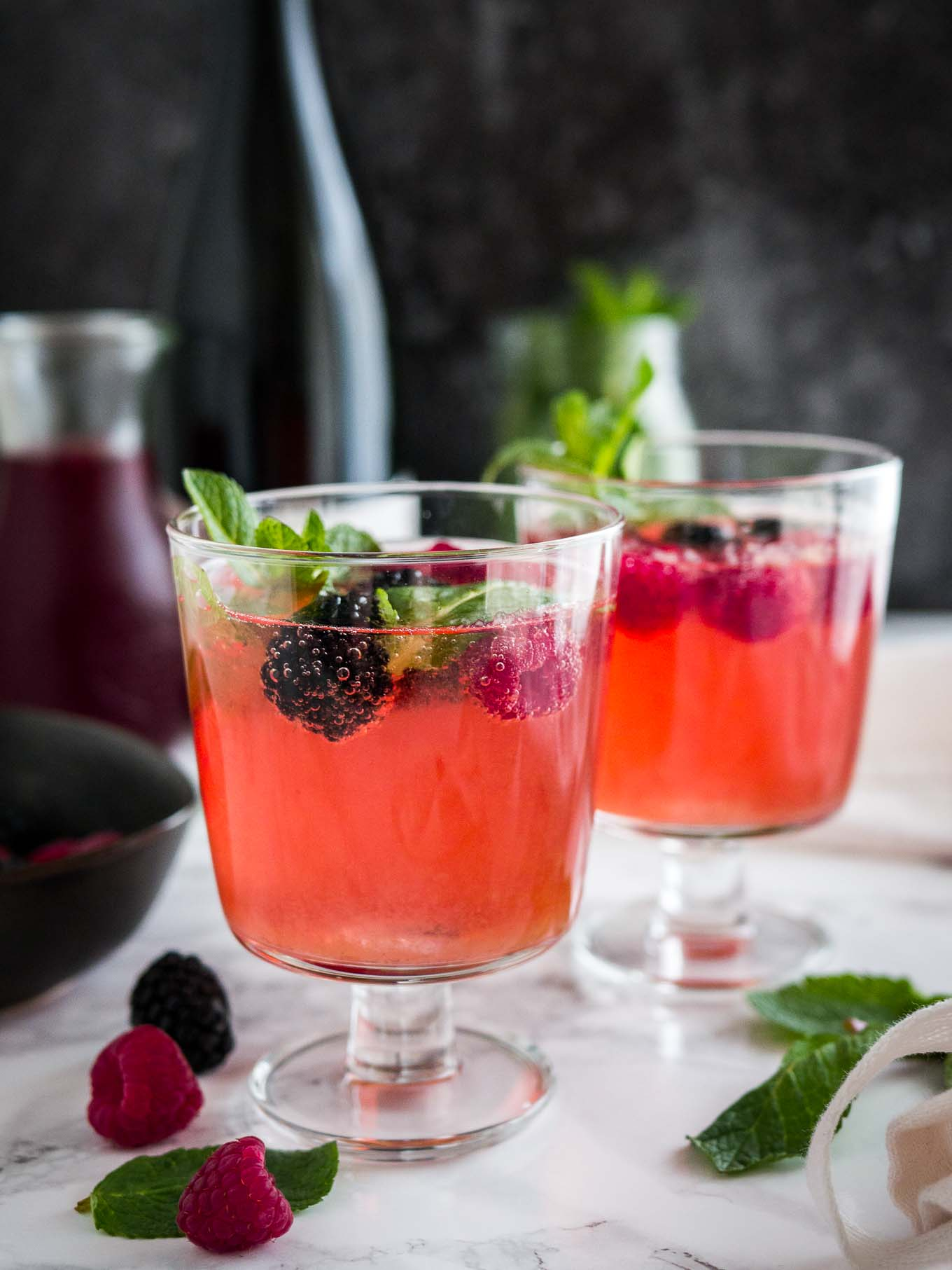 sparkling berry champagne cocktail