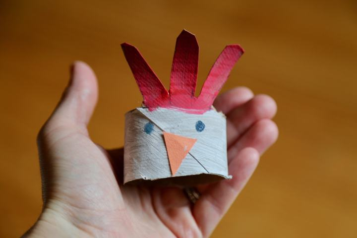 Completed chicken napkin ring
