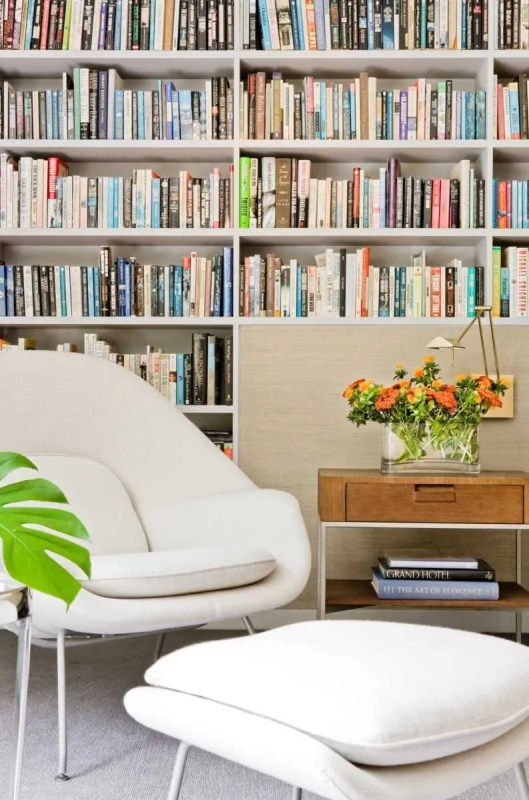 Platemark Interior Design Harvard Square Womb Chair Library