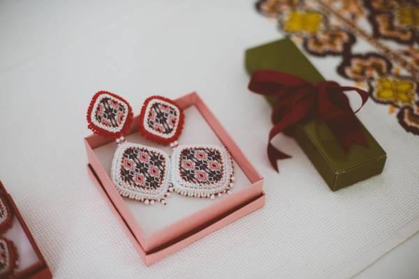 Cercei de nunta, inspiratie romaneasca create de Roxana Bacila
