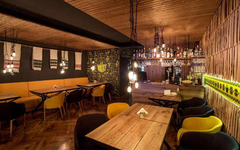 restaurant tradiţional La Ceaun Tihnit Brasov (2)