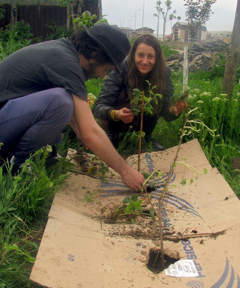 Cristi si Cristina la Grădina din Gura Şiriului