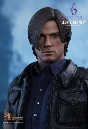Resident Evil 6 20th Anniversary Hot Toys Leon Kennedy Figure 3