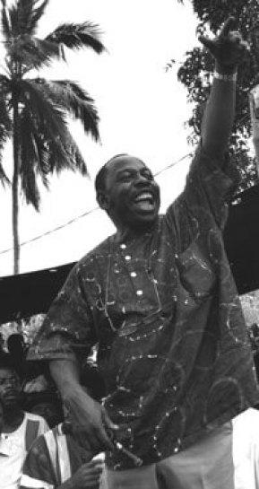 Ken Saro-Wiwa, Ogoni Day 1993. Tim Lambon / Greenpeace.