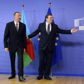 Aliyev with Barroso before meeting on 21 June