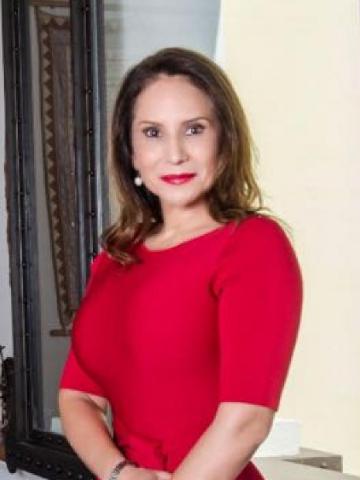 Adriana Casarez