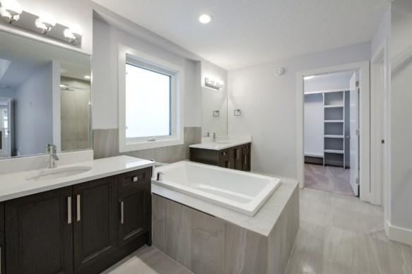 Platinum Signature Homes 7552 31