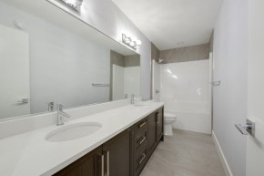 Platinum Signature Homes 7552 37