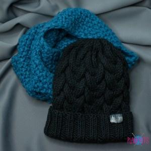 Сине-чёрный вязаный комплект шапка с косами и снуд