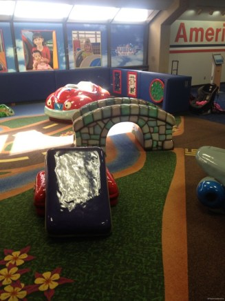DFW airport play area