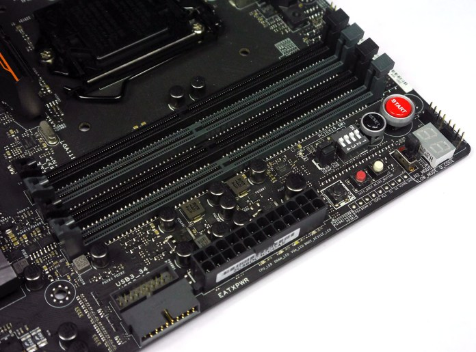 ASUS Maximus VIII Extreme Assembly - RAM
