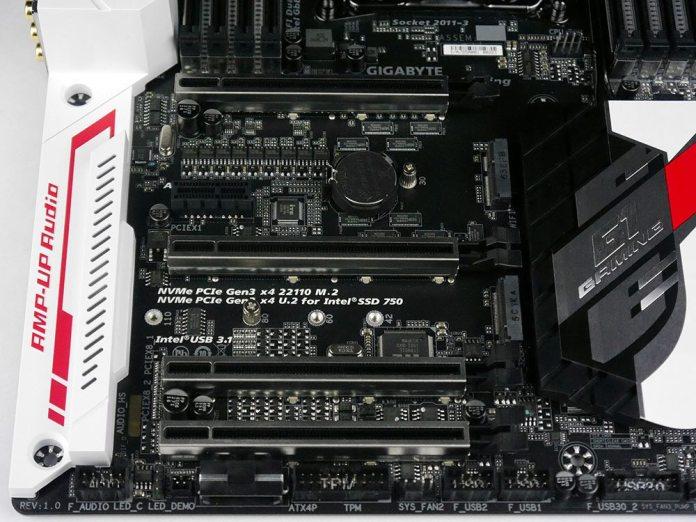 GIGABYTE X99-Ultra Gaming PCIe