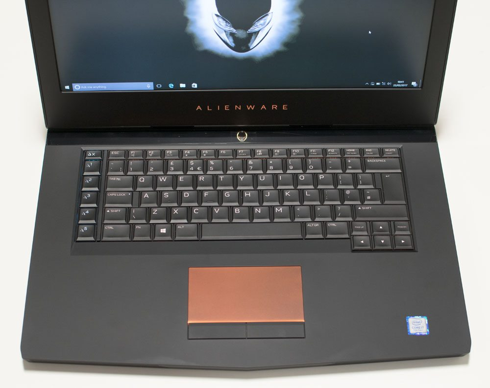 Alienware 15 R3 Gaming Laptop Review | i7-7700HQ & GTX 1070 | Play3r