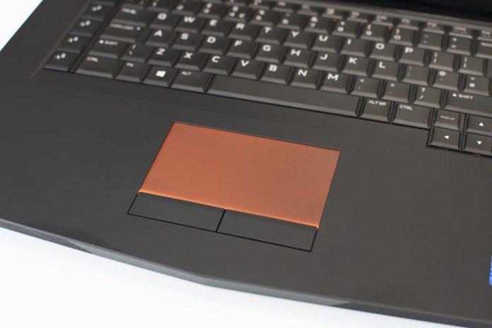 Alienware 15 R3 Laptop Review 7 (6)