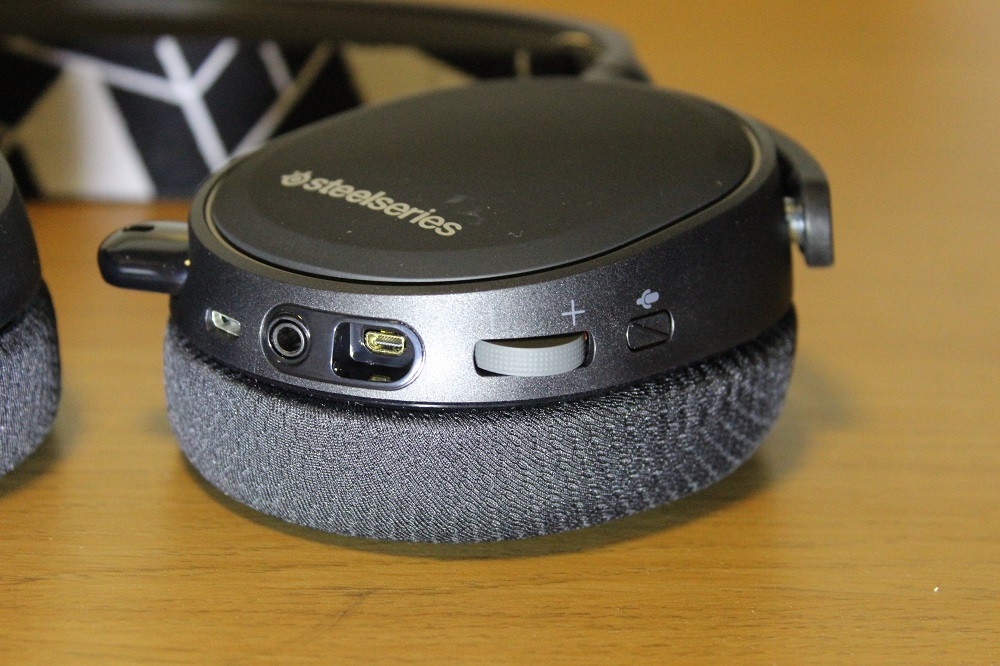 Steelseries Arctis 3 Bluetooth and Wired Headset Review | Play3r