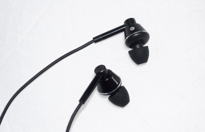 1More Dual Driver Earbuds Feature